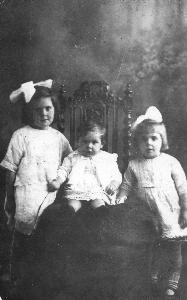 Catherine, George and Ellen Land 1922
